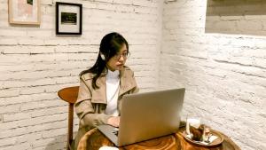 5 Tips Online Meeting Yang Lebih Kondusif Dengan Bose Bluetooth Earphones