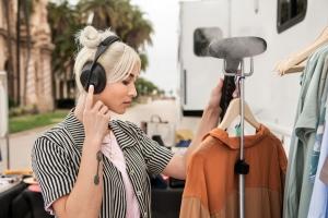 Bose Noise Cancelling Headphones 700 2