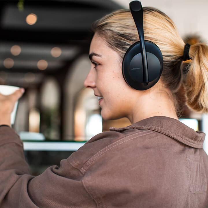 Bose Noise Cancelling Headphones 700 (5)